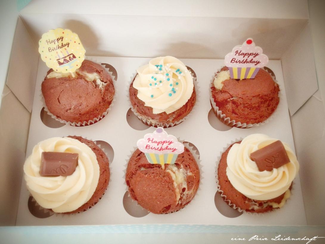 Cupcake mit Eierlikör und Cheescake-Füllung