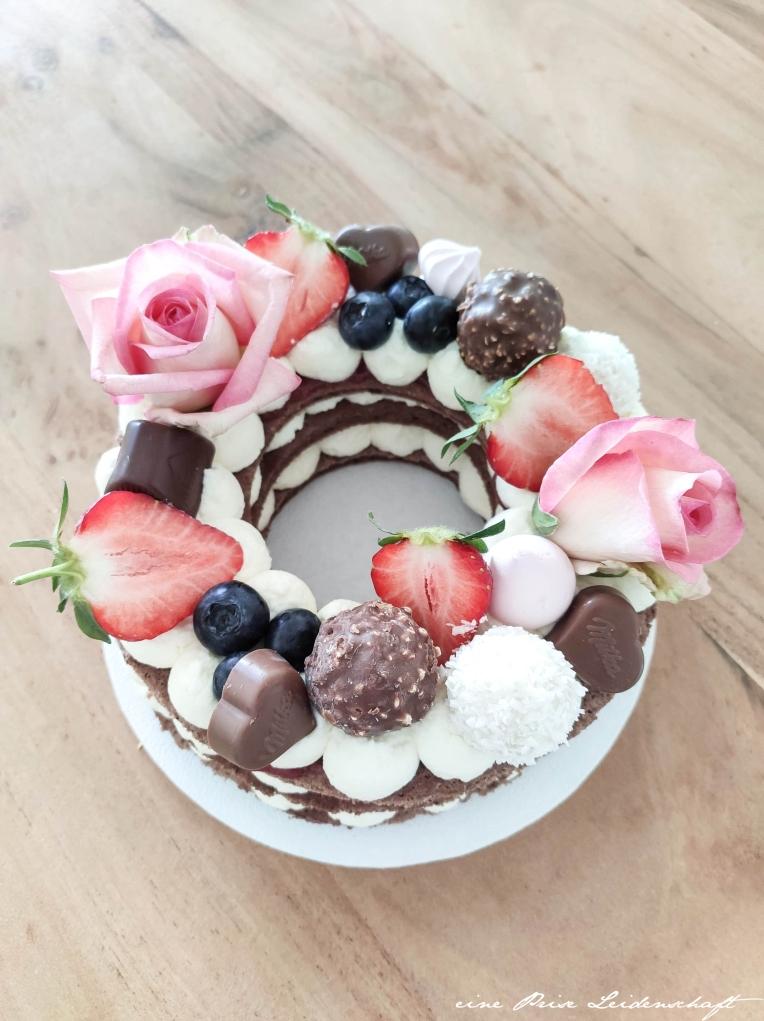 Letter Cake mit Kakao-Tortenboden mir Logo